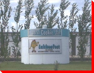 World's Largest Cookie Jar - Deloraine, Manitoba